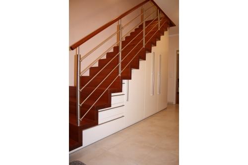 treppenschrank geschlossen pelzer bau und m beltischlerei. Black Bedroom Furniture Sets. Home Design Ideas